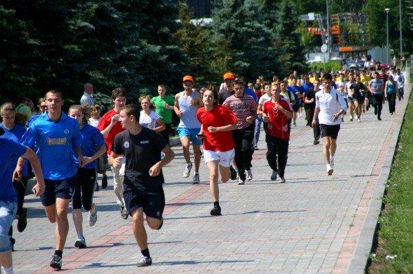 В Донецке бегали сегодня не просто так, а в поддержку «олимпийских идеалов мира и братства» (фото), фото-4