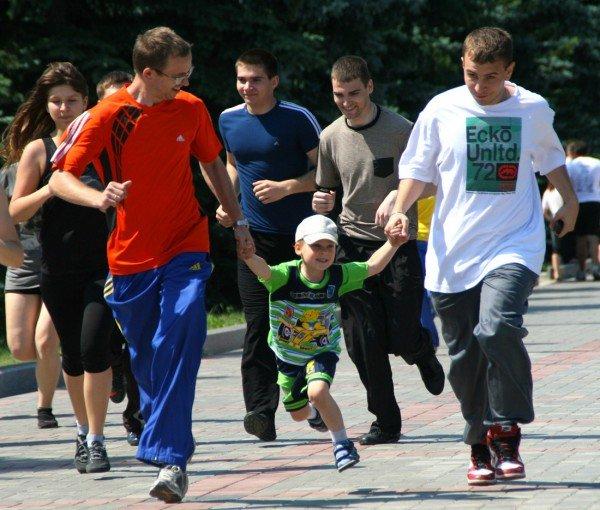 В Донецке бегали сегодня не просто так, а в поддержку «олимпийских идеалов мира и братства» (фото), фото-6