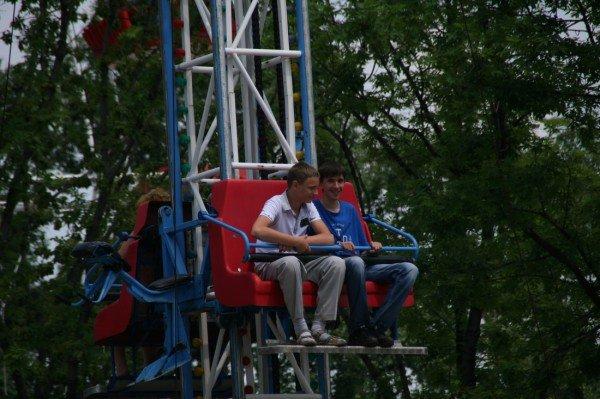 Щедрость компании Ахметова в парке Щербакова закончилась ровно в 8 вечера (фото), фото-3