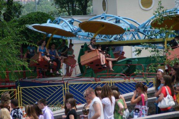 Щедрость компании Ахметова в парке Щербакова закончилась ровно в 8 вечера (фото), фото-4