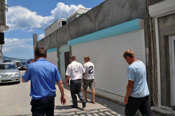 Владелец эллингов в Алупке «захватил» и удерживал несколько часов проверяющую комиссию (ФОТО), фото-6