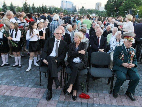 В Донецке звезды Малого театра приняли участие в митинге-реквиеме, посвященном 70-летию со дня начала войны (фото), фото-3