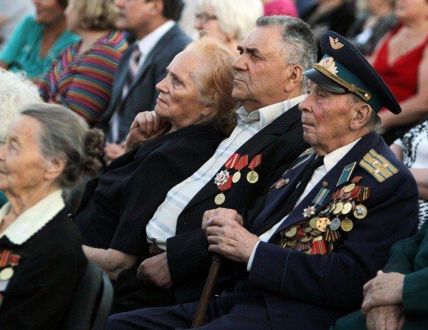 В Донецке звезды Малого театра приняли участие в митинге-реквиеме, посвященном 70-летию со дня начала войны (фото), фото-5