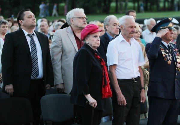 В Донецке звезды Малого театра приняли участие в митинге-реквиеме, посвященном 70-летию со дня начала войны (фото), фото-7