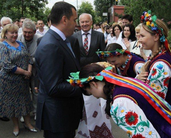 В Донецке открыли первый сервисный центр для обслуживания налогоплательщиков с уже приготовленными для чиновников камерами (фото, видео), фото-3