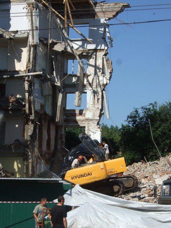 Решение донецкого суда о запрете стройки строителям Януковича прыти не убавило (фото), фото-1