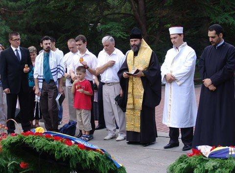 В Симферополе о павших в боях молились на разных языках (фото), фото-2