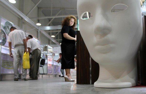 На выставке в Донецке показали часы президента (фото), фото-4