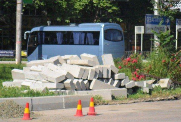 В Симферополе наконец-то начали чистить ливневки (фото), фото-4