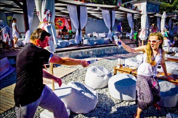 На Массандровском пляже подвели итоги первого тура чемпионата по пляжному фото-2011, фото-1