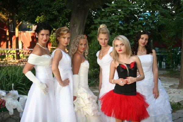 В Алуште прошел парад невест (ФОТО), фото-1