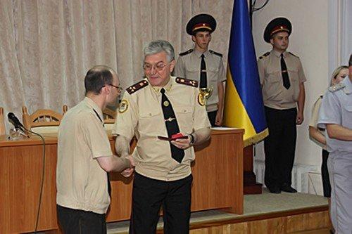 В канун праздника луганские спасатели получили заслуженные награды (фото), фото-1