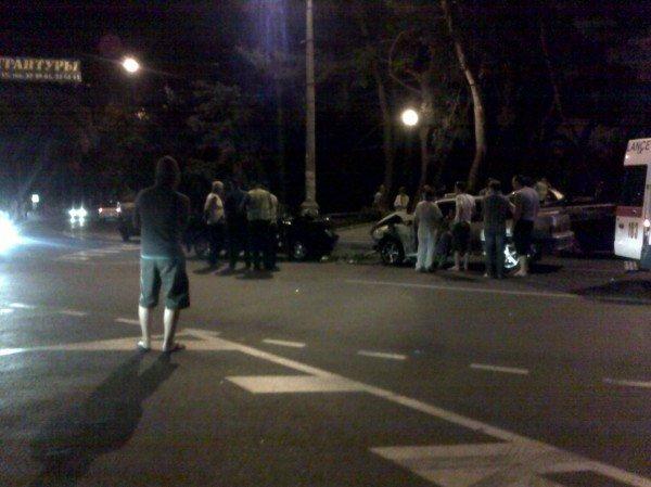 В Ялте ночью произошла авария (ФОТО), фото-1