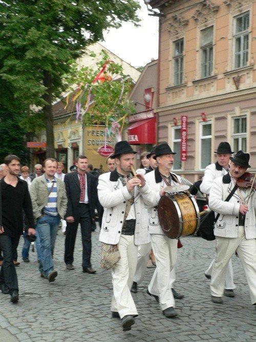 В Ужгороді вишиванками і звуками трембіти розпочалася «Купальська містерія» (ФОТО), фото-4