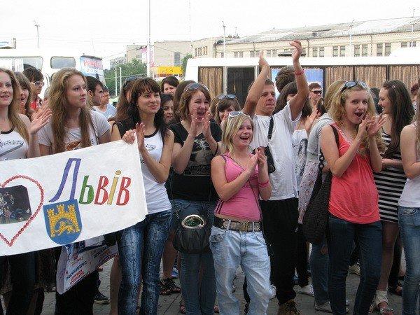 В Запорожье львовских майдансеров встречали с оркестром (ФОТО), фото-4