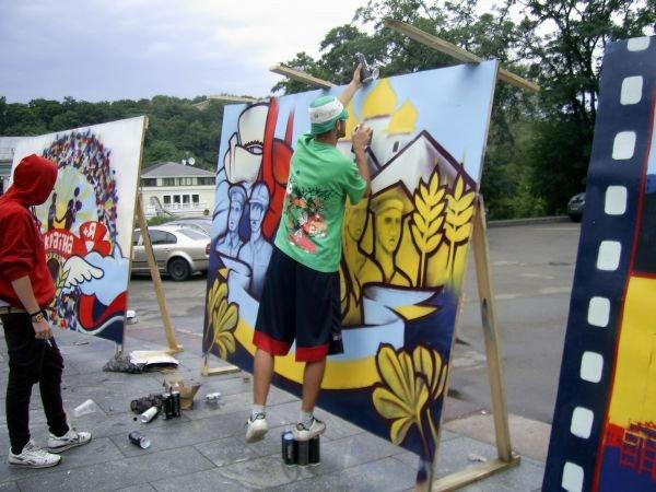 Запорожские граффитчики заработали приз зрительских симпатий на фестивале в Киеве (ФОТО), фото-2