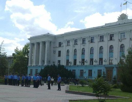 Милиция заблокировала центр Симферополя (фото), фото-1