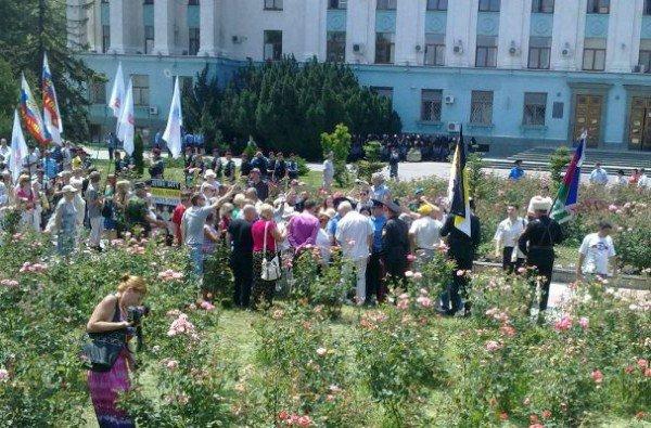 Милиция заблокировала центр Симферополя (фото), фото-2