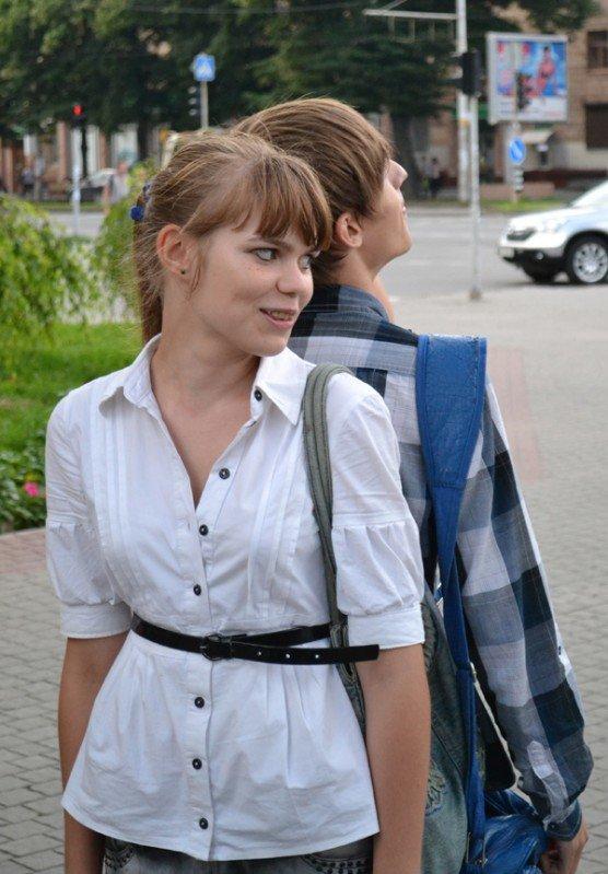В Запорожье прошел поцелуйный флешмоб. Горожане целовали прохожих (ФОТО)., фото-4