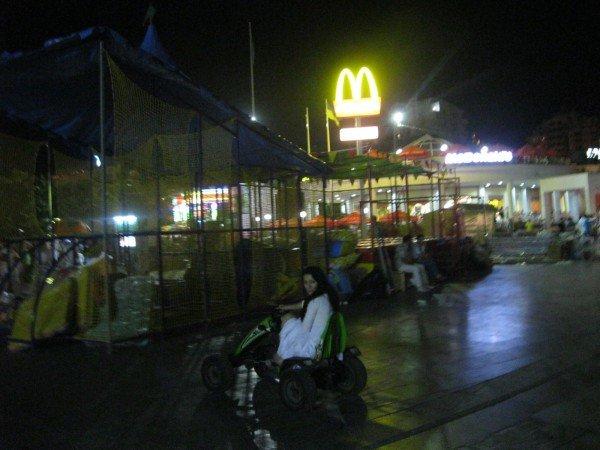 На набережной Ялты по ночам незаконно работают аттракционы (ФОТО), фото-3
