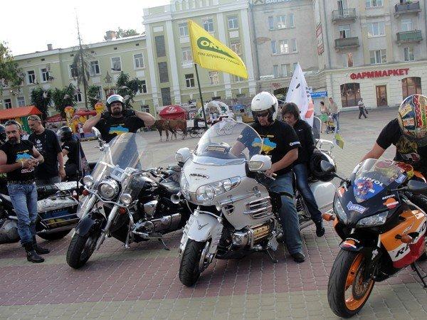 Тернопіль вітав учасників мотопробігу «БайКрай», фото-1