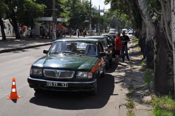 В Николаеве на глазах у ГАИшников в служебный автомобиль МЧС въехали три иномарки (ФОТО), фото-1