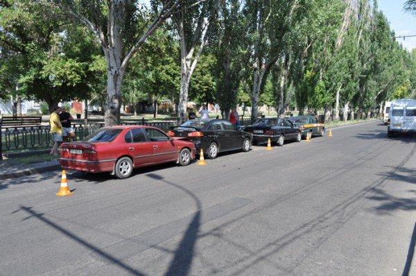 В Николаеве на глазах у ГАИшников в служебный автомобиль МЧС въехали три иномарки (ФОТО), фото-2