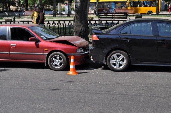 В Николаеве на глазах у ГАИшников в служебный автомобиль МЧС въехали три иномарки (ФОТО), фото-3