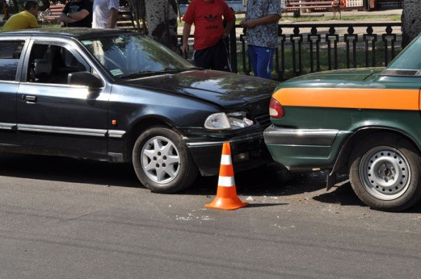 В Николаеве на глазах у ГАИшников в служебный автомобиль МЧС въехали три иномарки (ФОТО), фото-5