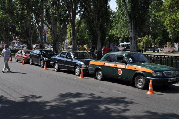 В Николаеве на глазах у ГАИшников в служебный автомобиль МЧС въехали три иномарки (ФОТО), фото-6