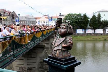 В Ужгороді відкрили перший закарпатський маяк (ФОТО), фото-2
