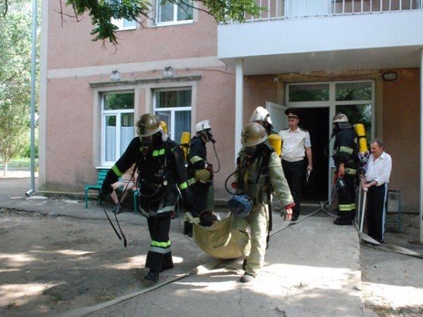 В Николаевском пансионате для ветеранов войны и труда сотрудники МЧС проводили учения (ФОТО), фото-4