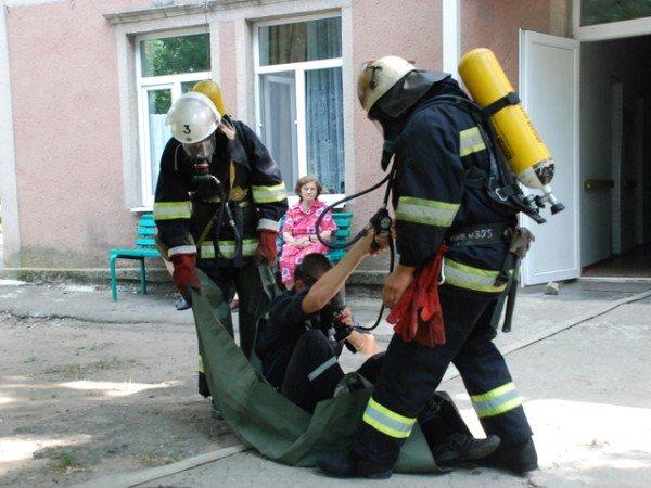 В Николаевском пансионате для ветеранов войны и труда сотрудники МЧС проводили учения (ФОТО), фото-8