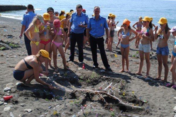 В Крыму детей научили строить сложные дорожные развязки из песка (фото), фото-4