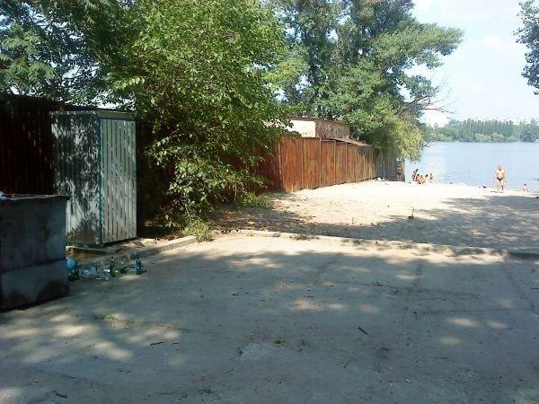 Пляж в районе Гребной базы ДСС: и купаться нельзя, и фонтанчик сломали (ФОТО), фото-4