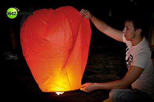 Луганчане запустили небесные фонарики (фото), фото-6