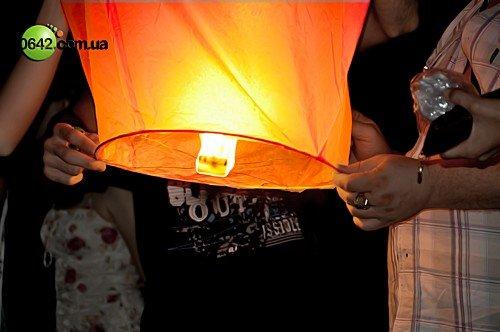 Луганчане запустили небесные фонарики (фото), фото-7