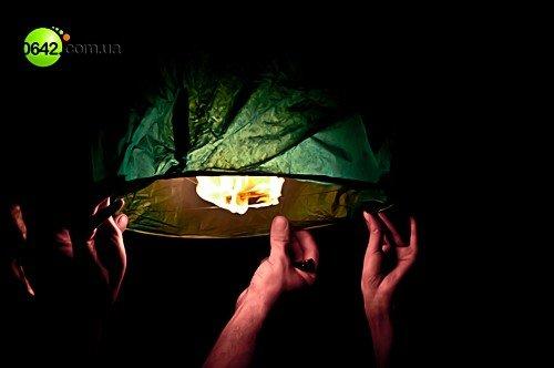 Луганчане запустили небесные фонарики (фото), фото-8