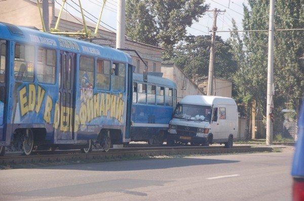 На Николаевской дороге произошло крупное ДТП (дополнено фото), фото-1