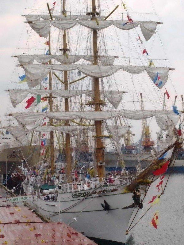 В Одесском порту пришвартовался мексиканский парусник Cuauhtemoс (ФОТО), фото-1