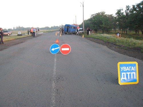 В Луганской области 16-летний юноша управляя «ВАЗ-2105» выехал на встречную полосу. Водитель и трое пассажиров погибли на месте (фото), фото-4