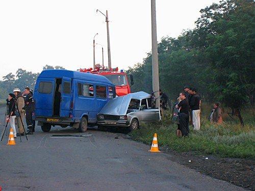 В Луганской области 16-летний юноша управляя «ВАЗ-2105» выехал на встречную полосу. Водитель и трое пассажиров погибли на месте (фото), фото-3