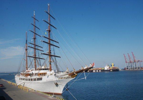 Одессу вновь посетил VIP-парусник (фото), фото-1