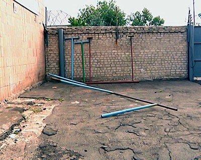 На Луганщине пьяные подростки украли конструкции для сушки белья, фото-1
