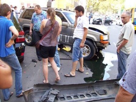 Страшное ДТП в центре Одессы. Пострадали четыре автомашины (фото), фото-1