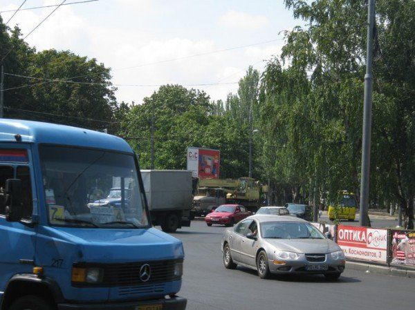 Дорожная революция: В Одессе с оживленной площади исчезли все светофоры и разметка (фото), фото-1