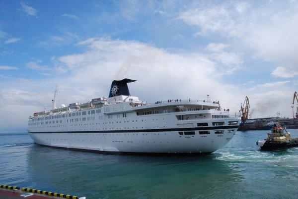 Больше тысячи туристов прибыло сегодня в Одессу на круизном лайнере «MELODY», фото-1