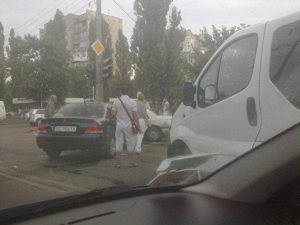 ДТП на Малиновского. Вольво не поделила дорогу с Мицубиси? (фото), фото-2