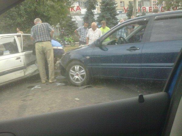 ДТП на Малиновского. Вольво не поделила дорогу с Мицубиси? (фото), фото-3
