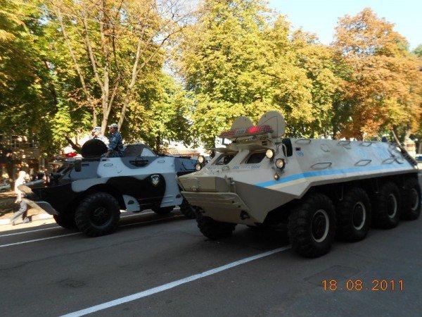 В центре Одессы БТР «Беркута» и ГАИ (фото), фото-3